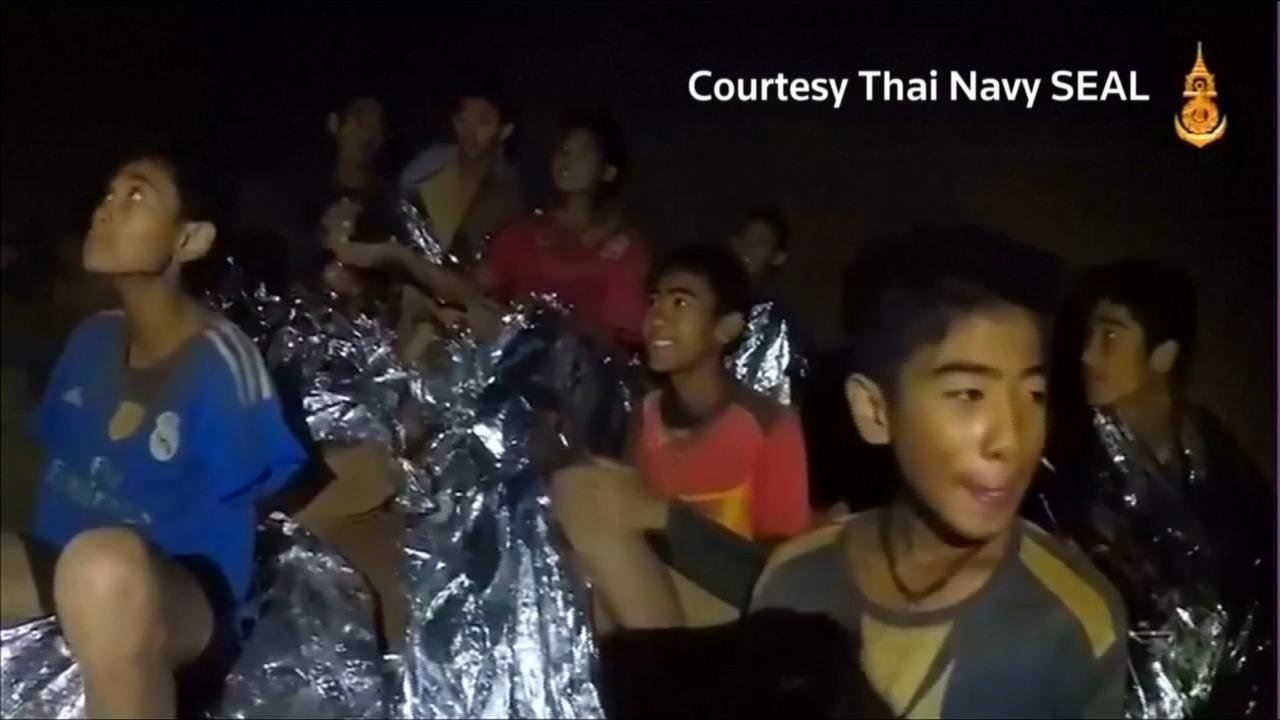 Trapped boys get diving lessons, rescuers weigh options