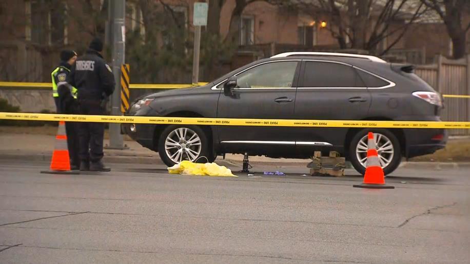 Good Samaritan uses car jack to help man pinned under SUV