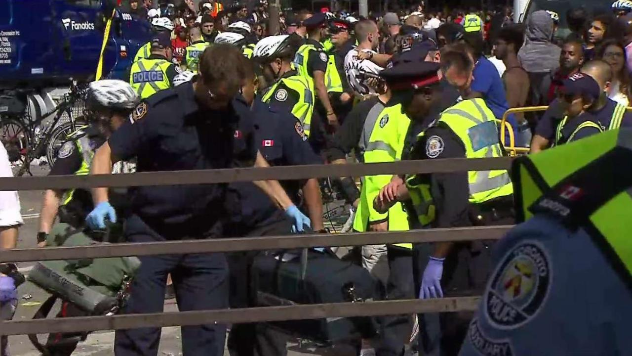 4 shot at Raptors fan rally in Nathan Phillips Square