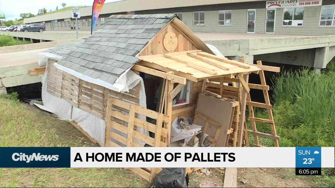A house of hope: Homeless man builds house out of wooden pallets